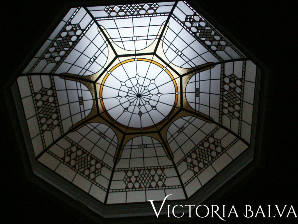 Large octagon stained and leaded glass dome for a hallway of a custom - built house in Toronto