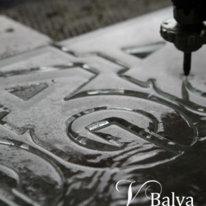 Water jet cutting of complex shape in 12 mm thick glass