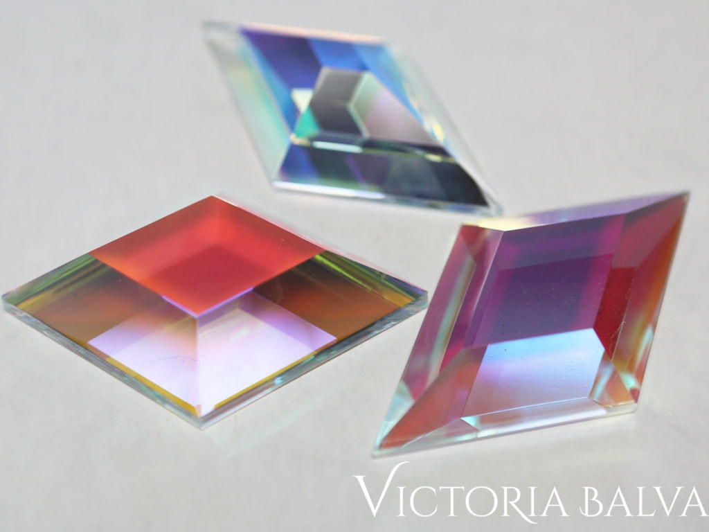 Reflections in dichroic custom bevelled glass laminated to clear float glass