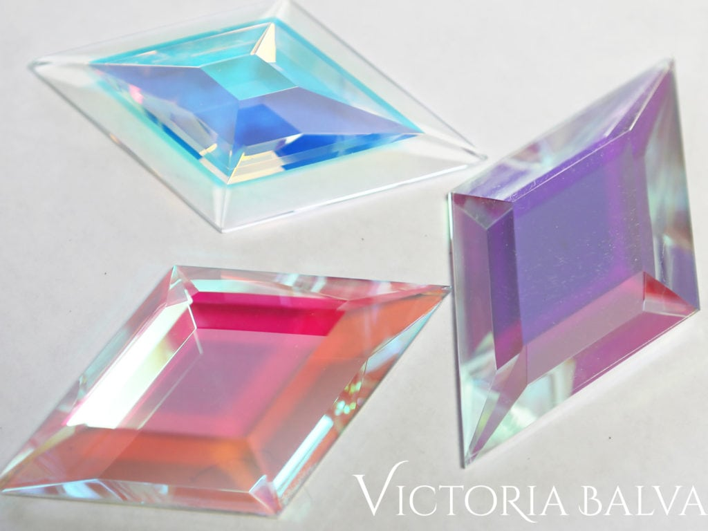 Reflective laminated decorative glass art for modern glass design and fabrication