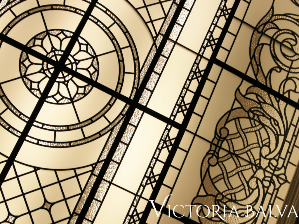 Decorative glass oval ceiling with classic pattern and acanthus leaves