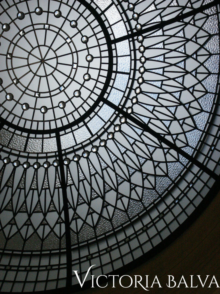 Stained glass dome design for a double height entrance foyer of a custom built home in Vaughan
