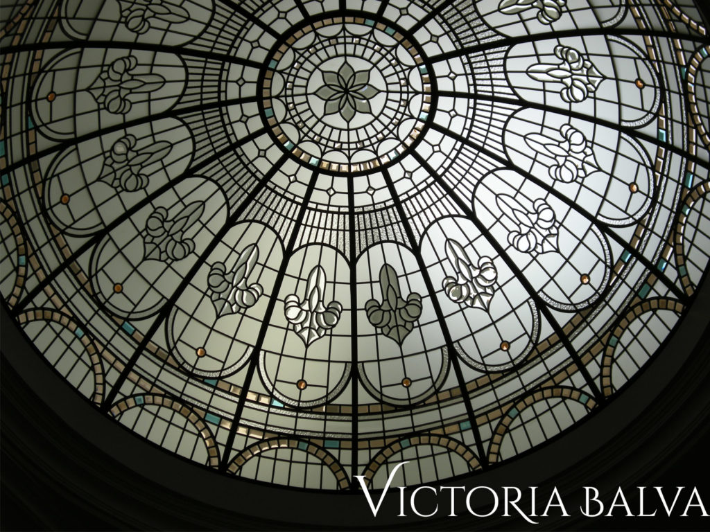 Classic stained and leaded glass dome for a double-height entrance foyer of a custom built residence in Great Neck