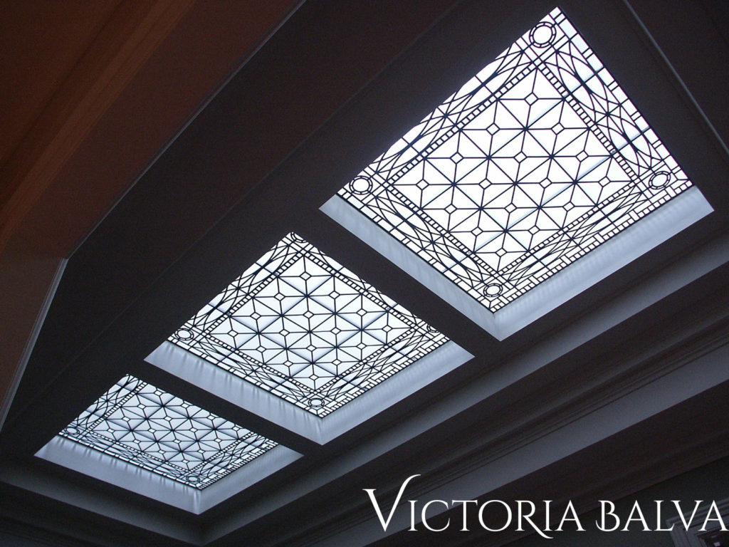 Classic stained and leaded glass skylight for a hallway of traditional house designed by Peter Higgins Architect in Hogg's Hollow